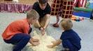 Артисты Росгосцирка эквилибристы на першах Саралаевы и клоун Alex посетили наш детский дом_3